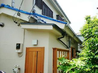 外壁・屋根リフォーム 雨の日の出入りも、雨がかからず安心できる玄関ポーチ