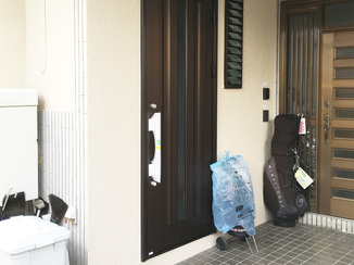 エクステリアリフォーム 二世帯住宅化に伴い新設した玄関ドア