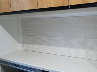 小工事 炊飯器やポット水蒸気も安心!機能・デザイン性に優れたエコカラットパネル