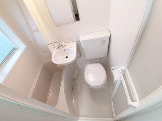 バスルームリフォーム 利用者に喜ばれる、使いやすい空間の3点ユニットバスルーム