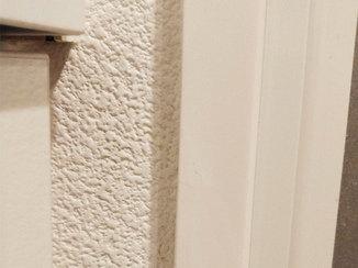 小工事 新品同様にリペアした浴室のドア枠