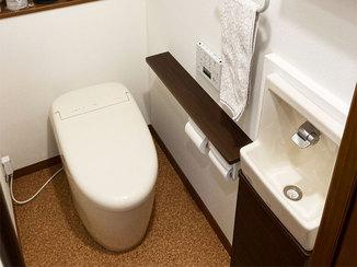 トイレリフォーム タンクレスですっきり快適に使えるようになったトイレ空間