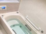 バスルームリフォーム肩湯がうれしい、リラックスタイムを演出するバスルーム