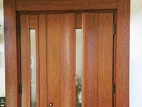 エクステリアリフォームガラッとイメージチェンジした玄関ドア