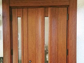 エクステリアリフォーム ガラッとイメージチェンジした玄関ドア