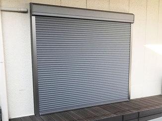 エクステリアリフォーム 犯罪や災害から窓を守るシャッター