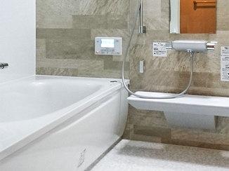 バスルームリフォーム 細かい仕様にまでこだわった、お掃除しやすい水廻り